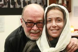 L'artista paolo Bassi accanto alla modella Claudia Malaguti dopo la performace d'l'invecchiamento del volto (Foto di Luca Donati)